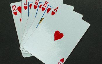Panduan untuk memainkan uang poker online asli tanpa modal